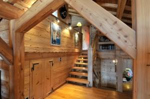 Escalier chalet bois